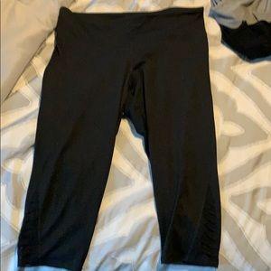 Capri workout leggings